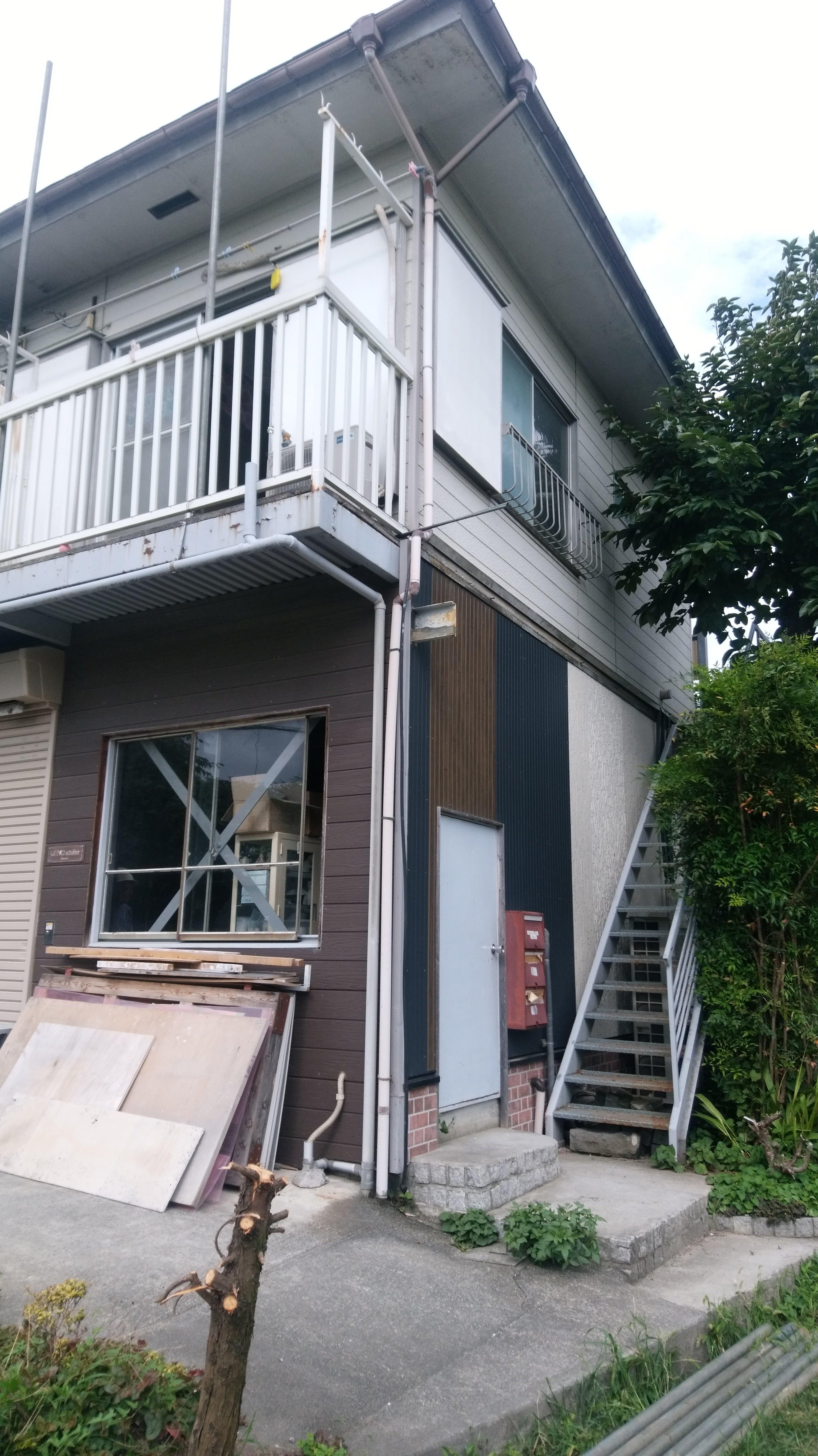 稲城市若葉台で2階部分の解体工事を行いました。