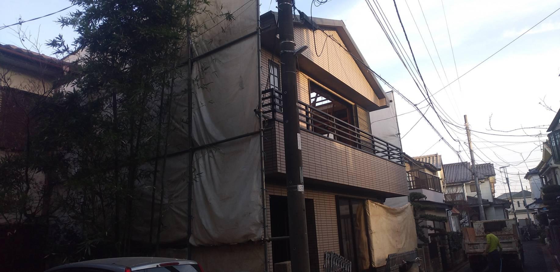 富士見市上沢にて解体工事を行わせていただきました。