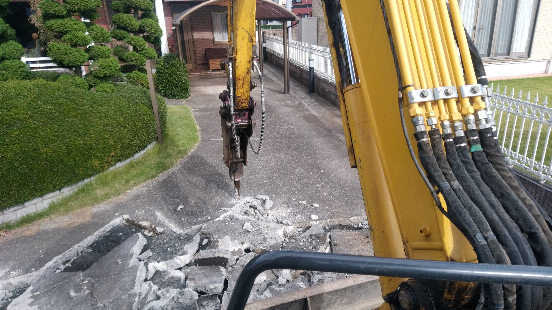 坂戸市上吉田で土間撤去作業を行わせていただきました。